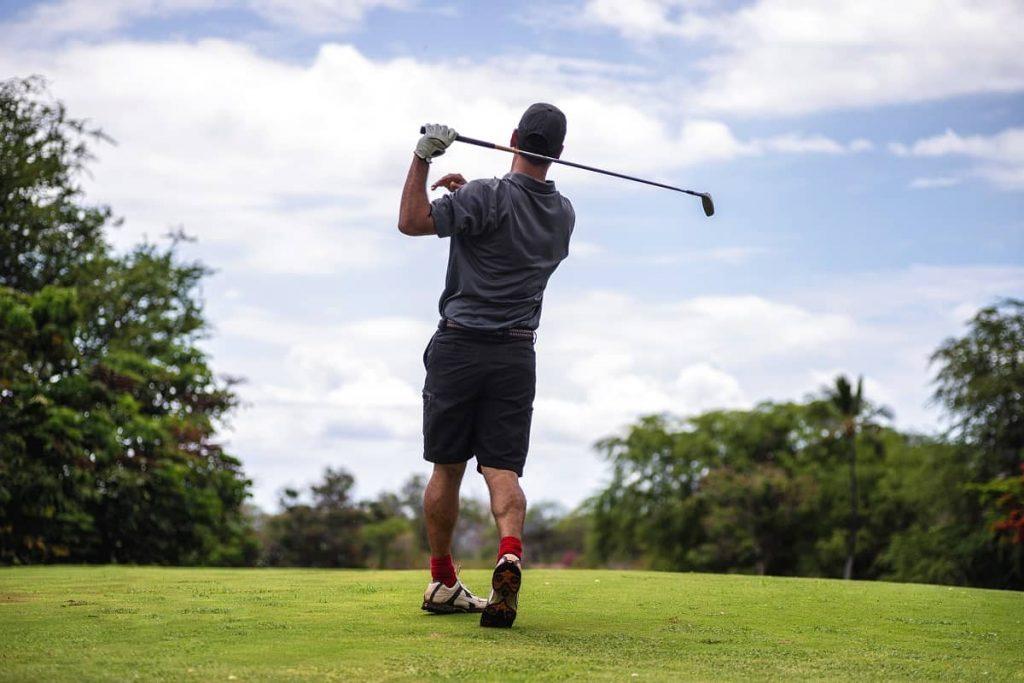 How-to-Eliminate-Chicken-Wing-Golf-Swing-golfswingremedy.com