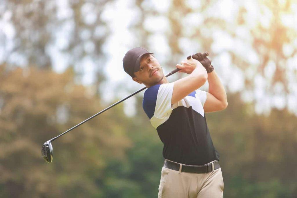 Shoulder-Turn-in-Golf-Swing-golfswingremedy.com